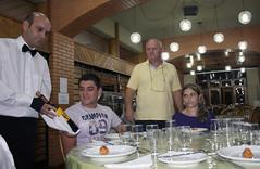 BF_Trabalho_20093003_AN_01 (brasildagente) Tags: alunos homens pratos garons cursosdecapacitao cursosdegaron
