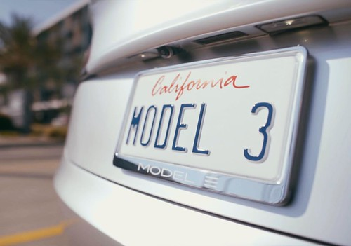 A huge step towards a more sustainable future: 325,000 and counting - direct link to blog post in bio #Model3