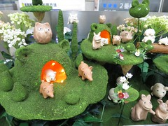 IMG_3413 (NIKKI BRITTAIN) Tags: city travel flowers anime color art nature japan ads subway photography japanese tokyo miniatures couple tulips odaiba gundam rtw roundtheworld