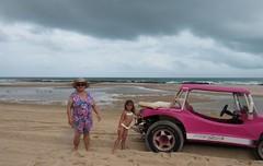 Canoa Quebrada, Ceará. (Elias Rovielo) Tags: family pink vacation chuva férias rainy ceará buggy dunas ce lagoas nordeste canoaquebrada aracati rosachoque comemoção beachparkwellnessresort brasilfamília