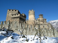 Castello di Fnis (Raffa2112) Tags: snow castle neve castello valledaosta fnis canonpowershotg10 raffa2112 gennaio2016challengewinnercontest