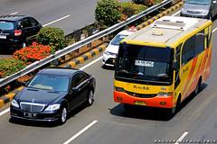 Putra KJU (BagusRailfans photo) Tags: bus mercedes benz mas body agra jakarta bis hino aptb transjakarta damri bismania primajasa arimbi
