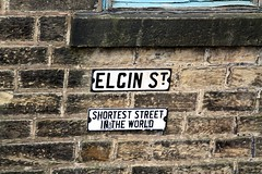 Elgin Street Bacup Lancashire.   The shortest street in the world (rossendale2016) Tags: old tiny england world shortest lancashire bacup street elgin