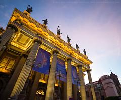 Teatro Jurez [3210] (josefrancisco.salgado) Tags: church mxico mexico teatro evening twilight nikon theater iglesia guanajuato bluehour nikkor mx crepsculo d4 teatrojurez iglesiadesandiego 1424mmf28g