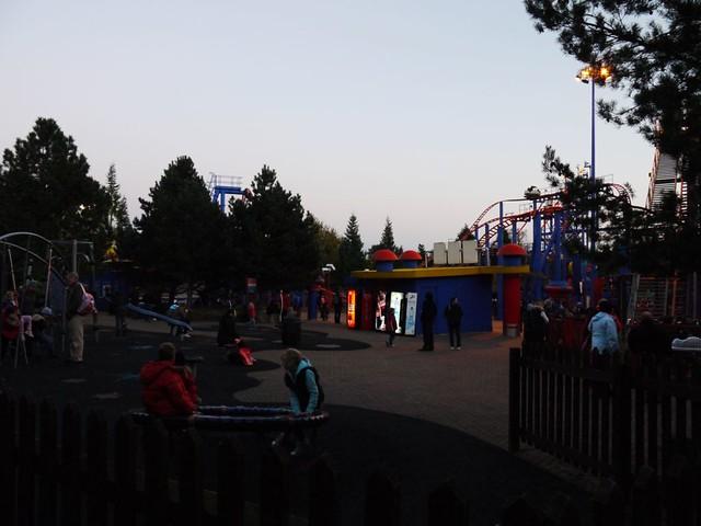 Sonic Spinball - plaza