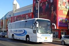YN07VBV Jacksons Coaches passing Madame Tussauds in Blackpool (j.a.sanderson) Tags: madame coach panther blackpool coaches jacksons iveco tussauds plaxton eurorider 397e yn07vbv
