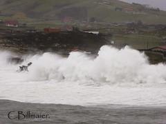 P1020102 (Cintia Billmaier.) Tags: strand mar meer marejada playa welle ola cantabria suances arbolada lumixtz60