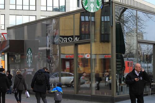 "In der Holstenstraße (08) • <a style=""font-size:0.8em;"" href=""http://www.flickr.com/photos/69570948@N04/24645478936/"" target=""_blank"">View on Flickr</a>"