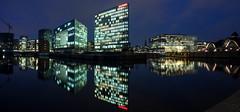 Night view from Oberhafenbrcke (foto.genuss) Tags: panorama reflection wasser hamburg spiegelung hafencity deichtorhallen ericusgraben 12von12 spiegelgebude oberhafenbrcke dnvgl