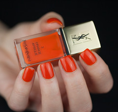 orange afrique (wouf_is_wouf) Tags: orange macro mannequin saint lumire femme main nails ysl amour beaut passion yves nailpolish reflets maquillage couleur laurent violent afrique carotte doigts marque ongles yvessaintlaurent brillant vernis vernisongles naillacquer lgant npa sensualit feminit modle orangeafrique