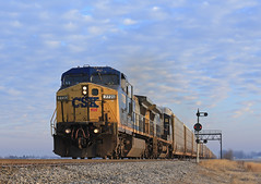 Perfect Timing (GLC 392) Tags: auto morning bridge light ohio color lights south oh ge signal position racks cpl csx autorack deshler yn2 cpls c408w 7720 7726 cw408 q241