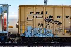 (o texano) Tags: bench graffiti texas houston trains dts mayhem freights vizie a2m benching defthreats adikts