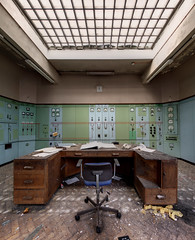 Power station control room (www.forgottenheritage.co.uk) Tags: abandoned mod jet engine gas explore research national exploration derelict establishment turbine ue urbex qinetiq ngte pyestock