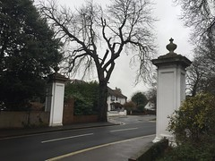 Canons Park entrance gates (Matt From London) Tags: gates canonspark