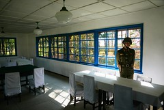 Armistice Signing Building DMZ (Frhtau) Tags: life people building window architecture del table asian soldier design chair war asia do leute south border north style indoor korea du daily east korean architektur contract tisch signing dmz nord soldat norte armistice 38th core corea koreanisch dprk grenze coria coreia paralell nordkorea