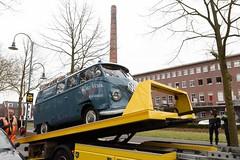 RJ-97-21 Volkswagen Transporter bestelwagen 1956 (Wouter Duijndam) Tags: volkswagen blauw 1956 transporter schade aanrijding bestelwagen dubbeldeur rj9721 rj9721schade