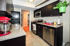 941.Chicago.GD.KI3 (BJBEvanston) Tags: kitchen horizontal furnished 941 941chicago 1gdn