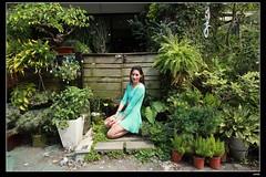 nEO_IMG_IMG_0262 (c0466art) Tags: blue light portrait window girl beautiful face canon store nice pretty slim outdoor gorgeous ale skirt el east short figure salvador taipei tall charming steet 1dx c0466art fashional