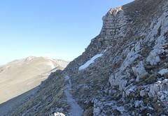 il sentiero che aggira la cima Vallinfante (Roberto Tarantino EXPLORE THE MOUNTAINS!) Tags: 2000 natura neve montagna cima monti cresta passo sibillini cattivo altaquota vallinfante cannafusto