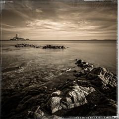 l'le mystrieuse 1 (pascal.brunon) Tags: sea bw water monochrome sepia canon vintage island mono noiretblanc nd dxo 1020mm blanc filtre le poselongue 600d filmpack