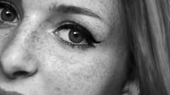 119/366: freckles (Andrea  Alonso) Tags: portrait blackandwhite bw selfportrait blancoynegro me 50mm eyes retrato makeup ojos freckles 365 autorretrato peca maquillaje pecas 366