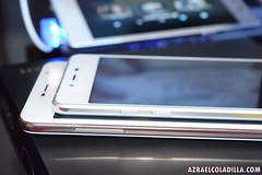 Hyundai Aero - slimmest smartphone by Hyundai (popazrael) Tags: by smartphone hyundai aero slimmest