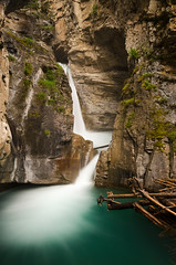 Lower Johnston Falls, Banff National Park (synaesthesia24) Tags: longexposure summer canada nature water creek landscape waterfall hiking alberta banff lowerfalls banffnationalpark johnstoncanyon bowvalleyparkway rockflour glacialflour johnstoncreek
