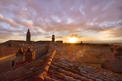 Tuscan Sunset (mimai2007) Tags: roof italy tuscany pienza goldenlight middleagetown