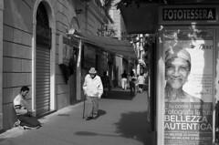 Bellezza? (cesare1942) Tags: liguria povert laspezia extracomunitari