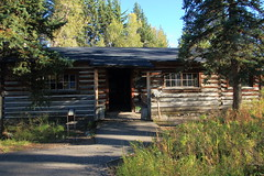 Maude Noble's Cabin, Menor Ferry Historical District - Grand Teton National Park, Wyoming (danjdavis) Tags: nationalpark cabin logcabin wyoming grandtetons grandtetonnationalpark mauenoblescabin menorferryhistoricaldistrict