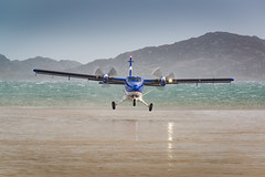 de Havilland Canada DHC-6 (G-SGTS) (MF65) Tags: sea water plane island scotland airport sand unitedkingdom aircraft windy gb barra takeoff runway turboprop d800 loganair outerhebrides 2016 dhc6 eoligarry