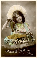 Poissons d'Avril (Alan Mays) Tags: old blue girls shells fish france green strange animals yellow portraits vintage children french cards typography clothing holding funny holidays humorous comic photos antique humor ephemera clothes photographs handpainted postcards type april greetings unusual amusing handcolored fools fishes poisson fonts avril tinted 1908 necklaces april1st aprilfools handtinted 1900s typefaces foundphotos greetingcards april1 aprilfoolsday poissondavril rppc 1eravril aprilfish holdingup realphotopostcards