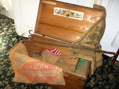 THERE WAS HOPE IN THIS CHEST (Visual Images1) Tags: minnesota 6ws antique chest andersonhotel wabasha