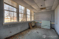 Office? (AP Imagery) Tags: school abandoned decay kentucky ky forgotten elementary urbanexploring philpot urbex daviessco