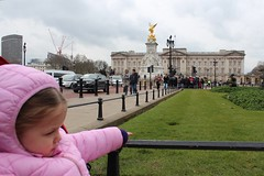 Not impressed in London. (MagMaster) Tags: family england london child beds palace tired buckingham unimpressed