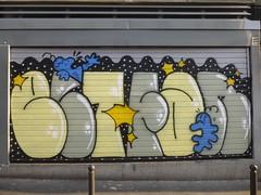 ELT FAN / Hommage  Zoave Elt Fan (Archi & Philou) Tags: shop graffiti magasin shutter hommage lettrage rideaumtallique paris20 zoave