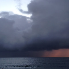 Stormy sunrise 1 (Yitchie) Tags: ocean morning sea beach sunrise coastal coogee coogeebeach