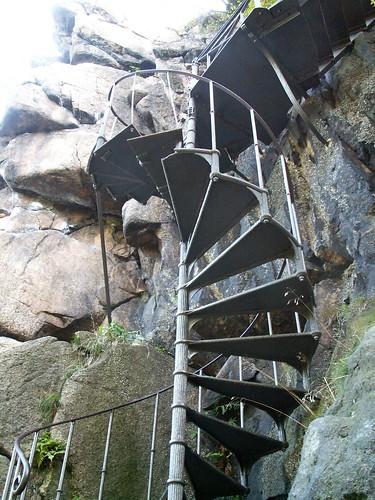 Kręte schody na platformę widokową na Sokoliku