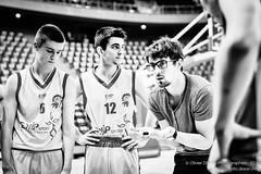 Thibaut Abjean entrainant les U17 de l'tendard de Brest @EtendardBrest #EtendardBrest #basket (Olivier1975) Tags: sport zeiss 50mm sony match ze iso6400 ilce7rm2 tendarddebrest sonyalpha7rmarkii milvus1450 thibautabjean
