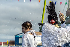 princesse Leia (sapiens5) Tags: costume pentax ile du ciel sabre maritime kr fte nuage tamron extrieur fille leia charente princesse 70300 doleron mimosasainttrojanlesbains21022016