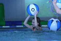 Girl throwing a ball in a pool (VisitLakeland) Tags: girls water girl finland fun play spa vesi tahko tahkovuori leikki kylpyl
