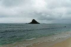 DSC03899_DxO_Größenänderung (Jan Dunzweiler) Tags: beach rock strand hawaii cloudy oahu felsen kualoa chinamanshat bewölkt kualoaregionalpark chinaman´shat o´ahu chinesenhut