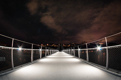 Passerelle I (Epique Pixel Photographie) Tags: bridge b fish eye night pose town photographie pentax fisheye pont nuit ville passerelle longue k30