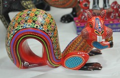 Red Squirrel Wood Carving Oaxaca (Teyacapan) Tags: animals mexico squirrels crafts artesanias oaxaca woodcarvings mexicanfolkart alebrijes agustincruz