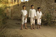 لعبة الحصان الشعبية (ali darwish233) Tags: lighting old photography bahrain photogarpher alidarwish
