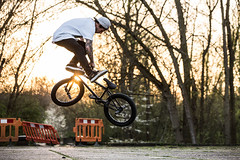 confusion (sky histoire) Tags: sunset sun london sport canon bmx trick engand stunt bmxer staystrong