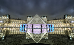Pyramide du Louvre Light Painting (tOntOnfred LP) Tags: light lightpainting paris night painting louvre le pyramide frdric lightart leroux