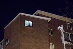 (Peter de Krom) Tags: window rotterdam flat nacht helmet police terrorism peek avond peeking appartment helm donker actie politie terreur eenheid arrestatie terrorisme inval rotterdamwest arrestatieteam specialeeenheid mathenesserweg anisb