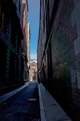 Boston 1 (Mem Ohh) Tags: shadow usa boston wall architecture america skyscraper dark outdoor wand massachusetts brickwall architektur amerika ricoh ricohgr gasse brgersteig