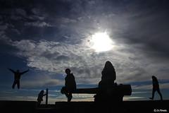 silhouettes du Bout du monde. (jo.pensel) Tags: b france silhouette brittany silhouettes bretagne breizh enfants britanny finistre pointesaintmathieu merdiroise jopensel jocelynpensel jocelynpenselphotographe jopenselcom